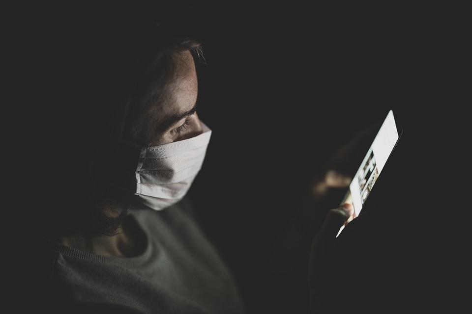 Dispositivos tecnológicos ayudan a cuidar pacientes con Covid-19 leve en casa